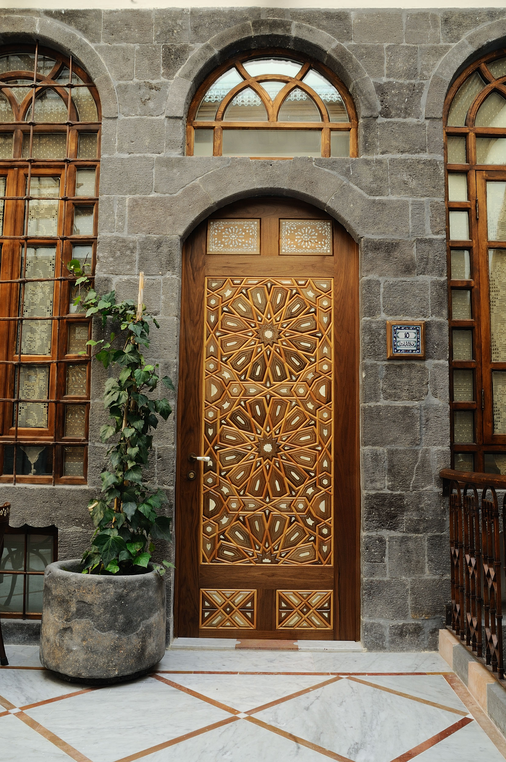 Hotel Entrance Doors : Al pasha hotel،hotel reservation in damascus،syria،center